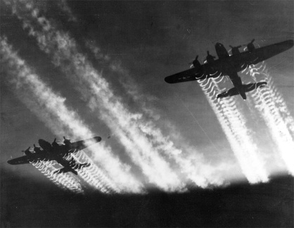 B-17s With Contrails